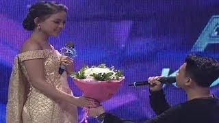 Moment mana yang menurut kamu paling romantis di panggung D'Academy 4? Jangan lupa komen di bawah. Connect with INDOSIARWebsite : http://www.indosiar.com/Facebook : https://www.facebook.com/IndosiarID.TV Twitter : https://twitter.com/IndosiarID Instagram : https://www.instagram.com/indosiaridBBM Channel : C0049B721