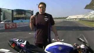 9. Ben Spies explaining the 2009 YZF-R1