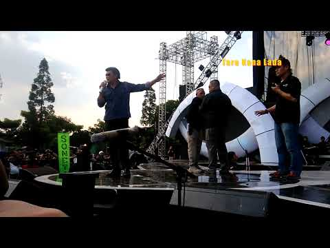 Video Teliti Banget ! Rhoma Irama & Soneta Cek Sound di Bandung download in MP3, 3GP, MP4, WEBM, AVI, FLV January 2017