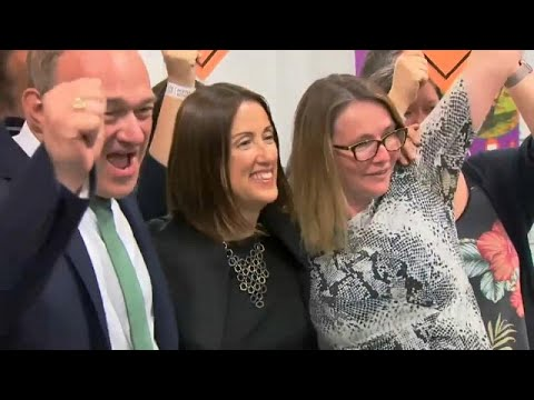 Großbritannien: Johnsons Mehrheit im Unterhaus schrum ...