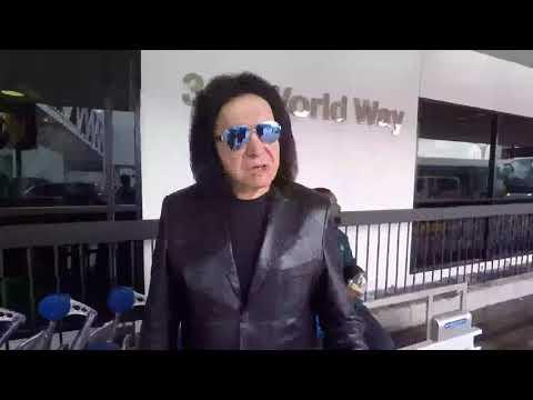 Gene Simmons Pokes Fun At Cameraman's Accent At LAX
