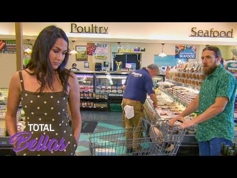 Brie and Bryan can't find sustainable groceries: Total Bellas Preview Clip March 3, 2019