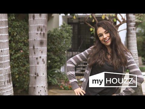 ميلا كونيس تفاجئ والديها بتغيير منزلهما بالكامل
