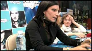 Mixup Laura Pausini en Firma de Autógrafos