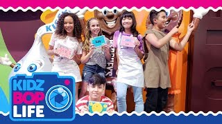 Video KIDZ BOP Life: Vlog # 32 - Ahnya & The KIDZ BOP Kids Take Hershey's Chocolate World MP3, 3GP, MP4, WEBM, AVI, FLV Agustus 2018