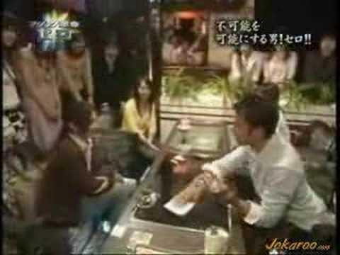 Cyril Takayama atraviesa el vidrio