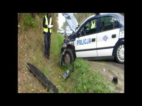 Dziś (19.09) przed godziną 6 doszło do wypadku w Brzozie Toruńskiej. Ciężarówka iveco jadąca od strony Włocławka w kierunku Torunia uderzyła w zaparkowany na pasie ruchu radiowóz. Dwaj policjanci trafili do szpitala. Więcej: http://www.mmtorun.pl/artykul/