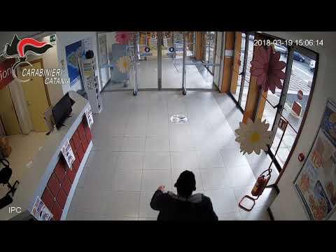 Capo Mulini, rapina al supermercato