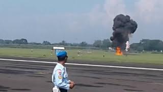 Video Gebyar Dirgantara 2017 Lanud Iswahjudi Maospati,Terjun Payung & Demo Udara Pesawat F-16 & T-50i MP3, 3GP, MP4, WEBM, AVI, FLV Juli 2018
