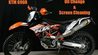 8. KTM 690 R Oil change and Screen Maintenance