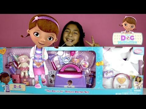 Doc McStuffins Doctor Kit  Doc is In Delux Doctor Set with more than 20 Accessories (видео)