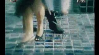 Toto je československá singlová hitparáda roku 1988.Sledujete pořadí na 10. - 1.místě.