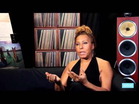 Elisabeth Kontomanou : interview vidéo Qobuz