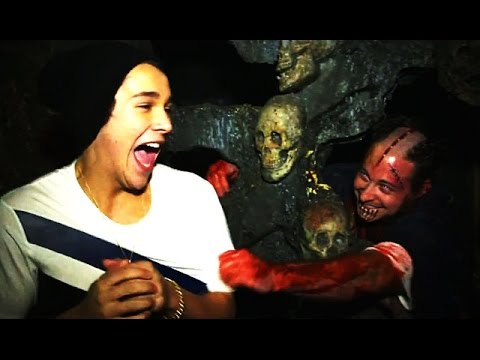 Austin - Austin Mahone completely freaks out in a haunted house playing the 5 Gum Truth Or Dare Challenge. Starring Austin Mahone Subscribe! http://bit.ly/10cQZ5j http://hollywoodlife.com :: CONTACT...
