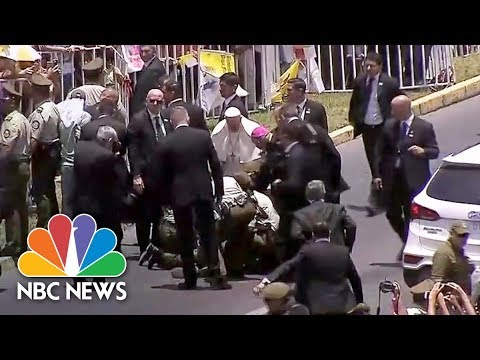 Pope Francis Stops Motorcade To Help Injured Police Officer | NBC News