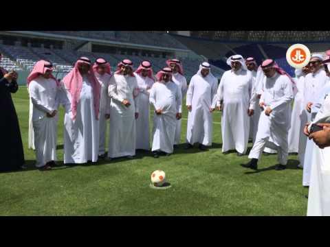 بالفديو.. منافسه بين وزير التعليم و مدير جامعة الملك سعود في تسديد ضربات الجزاء
