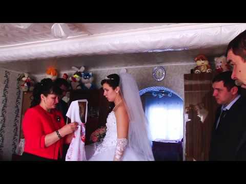 Свадьба, благословение жениха и невесты родителями в день