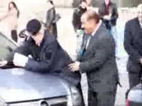 La esposa de Berlusconi pide el divorcio