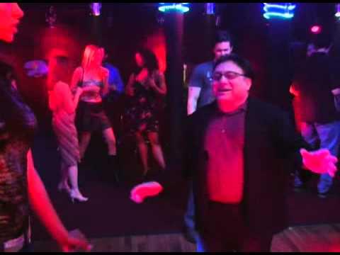 It's Always Sunny in Philadelphia - Frank dancing