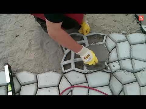 How To Lay Concrete Pavers Using A Mold