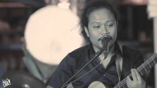 This is Live - Payung teduh (Angin Pujaan Hujan)