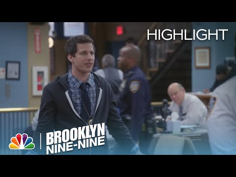 Brooklyn Nine-Nine 2.19 (Clip)