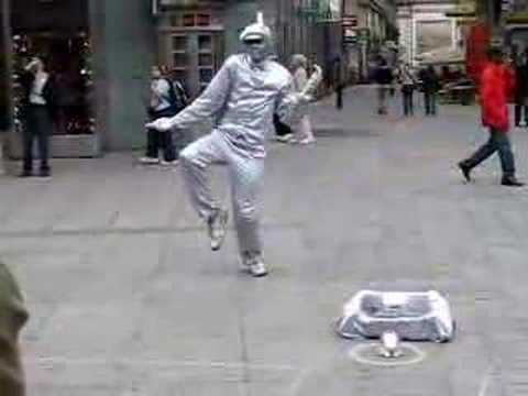 Insane Street performer - Vienna dancer