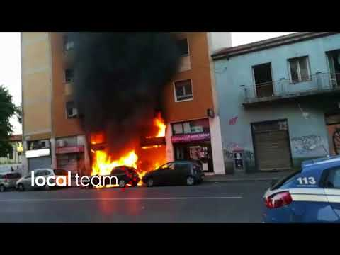 Milano. Destruído un edificio por un incendio en barrio de inmigrantes (VIDEO)