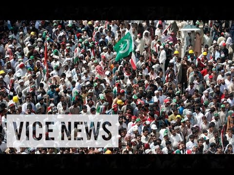 VICE News Daily%3A Beyond The Headlines - August%2C 18 2014