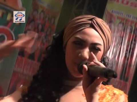 Pusing Pala Barbie Novita Sari Official Music Video