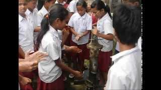 With a view to promote awareness about water quality and its issues among children, Eco Concept with support from Public Health and Engineering Department, (PHED, Guwahati) has conducted a series of water quality testing programmes in schools on the outskirts of Guwahati in the Rani, Mirza and Chandubi area. Here, the students brought drinking water samples from their homes and performed various tests on potability themselves, under supervision. The idea was to promote understanding of water and sanitation related issues by engaging students in these tests so they can brainstorm for necessary interventions thereafter.
