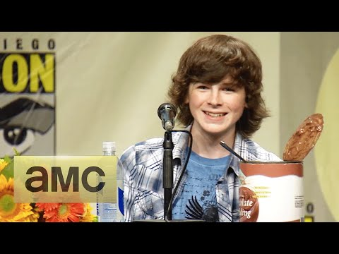 Andrew Lincoln on Carl Growing Up: Comic-Con Panel Highlights: The Walking Dead: Season 5