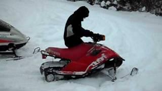 10. motoneige yamaha snow scoot 80cc.