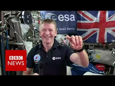 Tim Peake demonstrates gyroscope