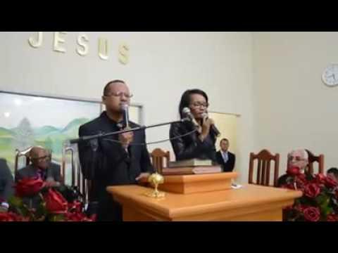 Moisés e elisama, cantando em Cumaru