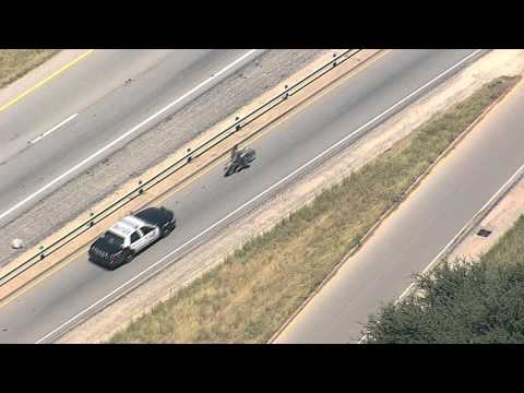 Harley - Dallas FOX 4 news helicopter, SKY 4 captured a police chase involving a suspect on a Harley. The suspect had a federal warrant and had been under surveillanc...
