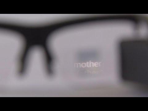 Γυαλιά «προβάλλουν» υπέρτιτλους για ξενόγλωσσες παραστάσεις – hi-tech