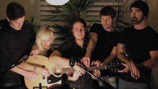 Somebody That I Used to Know - Walk off the Earth (Gotye - Cover).mp4
