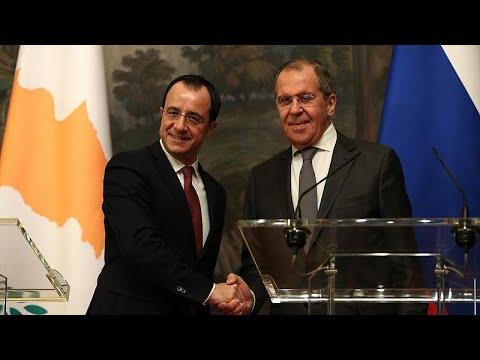 Λαβρόφ: Να συνεχιστούν οι συνομιλίες για το Κυπριακό στη βάση των ψηφισμάτων του ΟΗΕ…