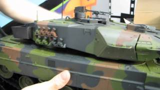 Arctic Hobby Land Rider 403 RC Tank Unboxing&First Look Linus Tech Tips