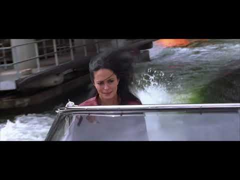 THE WORLD IS NOT ENOUGH | Bond races down The Thames, London