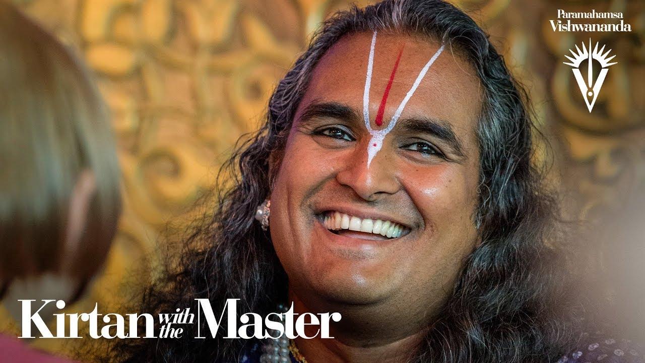 Banke Bihari Chupe | Kirtan with the Master