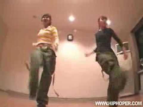 Девочки из Кореи танцуют locking