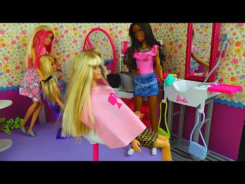 Barbie Girl and New Hairdresser Salon for Doll