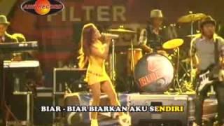 Eny Sagita - Biarkan Cintamu Berlalu (Official Music Video)
