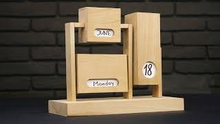 DIY Endless Calendar from Wood