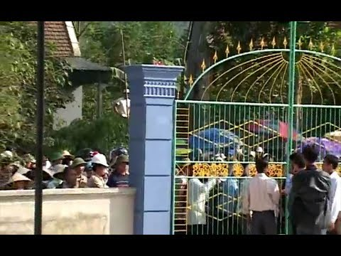 Công an bao vây Nhà thờ Thái Hà