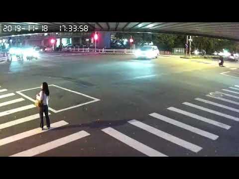 台中 闖紅燈 車禍