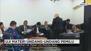 Sejumlah advokat yang tergabung dalam, Advocat Cinta Tanah Air (ACTA), mendaftarkan uji materi Undang-Undang Pemilu, yang disahkan oleh DPR pada 20 Juli lalu. ACTA menilai terdapat beberapa kejanggalan dalam pengesahan undang undang pemilu, yang bertentangan dengan hukum.Ikuti berita terbaru di tahun 2017 dengan kemasan internasional berbahasa Indonesia, dan jangan ketinggalan breaking news 2017 dengan berita terakhir dan live report CNN Indonesia di https://www.cnnindonesia.com dan channel CNN Indonesia di Transvision.
