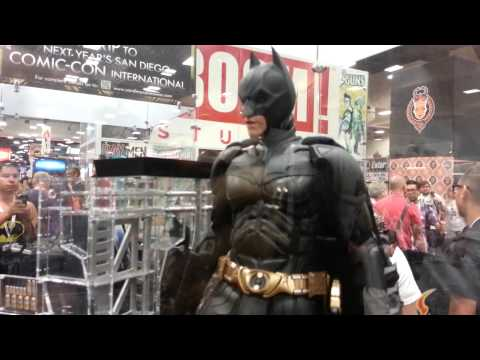 Hot Toys 1:4 Quarter Scale Dark Knight ( Rises ) Batman Figure SDCC San Diego Comic Con 2013
